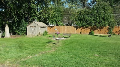 952-958 backyard ne.jpeg