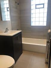 2100FAR Bathroom.jpg
