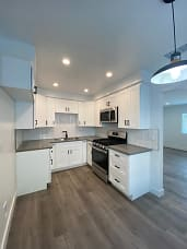 Fully Updated kitchen with custom cabinets