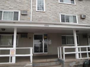 Front+of+Building.JPG