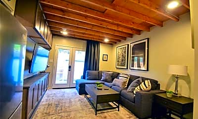 Living Room, 4512 Victor St B, 0