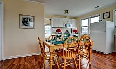 Dining Room, 74 O St D--SUMMER, 1