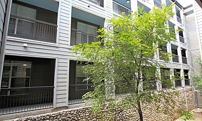 Building, 1007 South Congress, 2