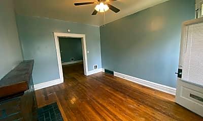 Living Room, 5226 Louisiana Ave, 2