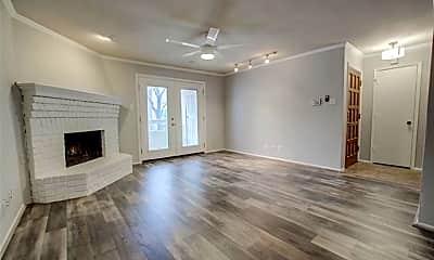 Living Room, 5200 Martel Ave 3B, 0