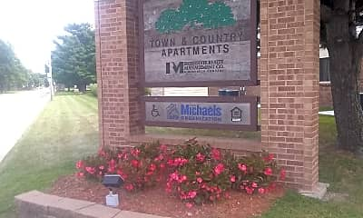 Town & Country Apartments, 1