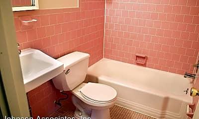 Bathroom, 4300 Columbia Pike, 2