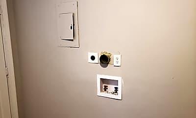 Bathroom, 2000 Lasalle St, 2