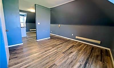Living Room, 5108 Baum Blvd 3, 2