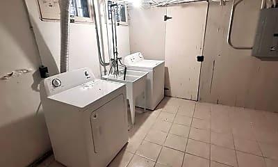 Bathroom, 2705 E Bradford Ave, 2