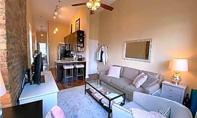 Living Room, 333 Adams St 5, 0