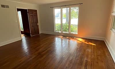 Living Room, 2074 Maidstone Farm Rd, 2