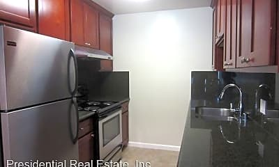 Kitchen, 637 Kirkland Dr, 1