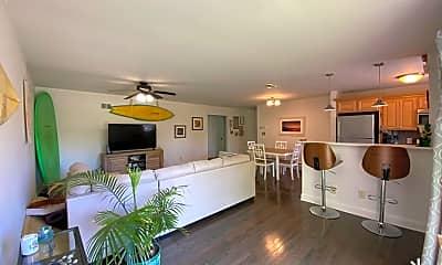 Living Room, 65 Cedar Ave A3, 1