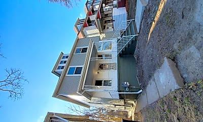 Building, 2493 Fischer St, 1
