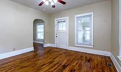 Bedroom, 302 S Poplar St, 1