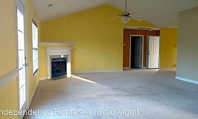 Living Room, 113 Spring Leaf Ln, 1