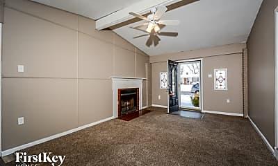 Living Room, 1465 Aintree Dr, 1