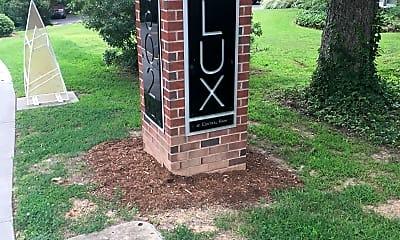 Lark Chapel Hill, 1