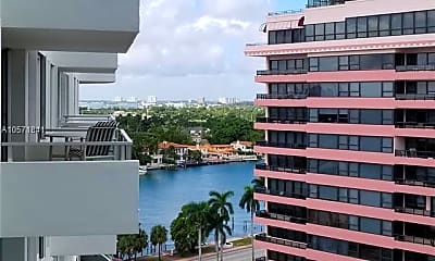 5161 Collins Ave 1401, 1