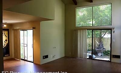 Living Room, 2005 Parrott Dr, 1