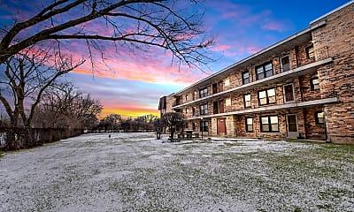 Building, 2610 Oakton St 8W, 0
