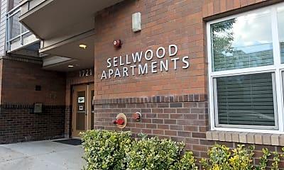 Sellwood Apartments, 1