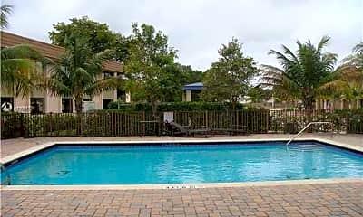 Pool, 1027 NE 207th St 1027, 2