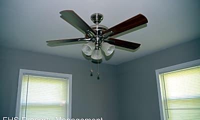 Bedroom, 1113 W Locust St, 2