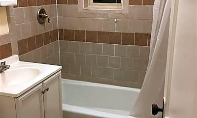 Bathroom, 5 Sherborn Ct, 2