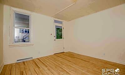 Living Room, 313 E Burd St, 1