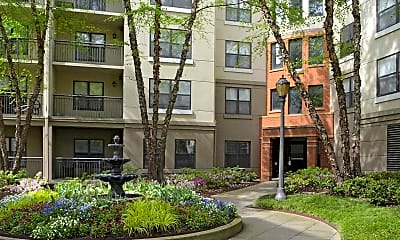 Courtyard, City Plaza, 2