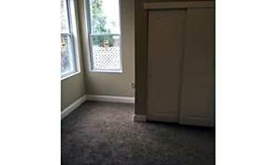 Living Room, 6118 Washington Ave, 2
