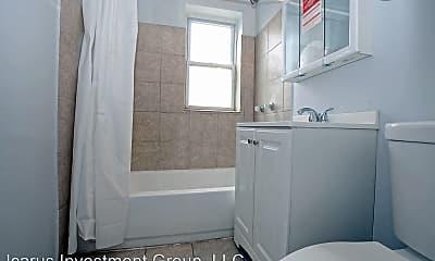 Bathroom, 6100 S Eberhart Ave, 2