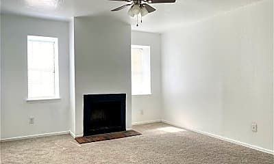 Living Room, 2129 Beaumont Dr, 2
