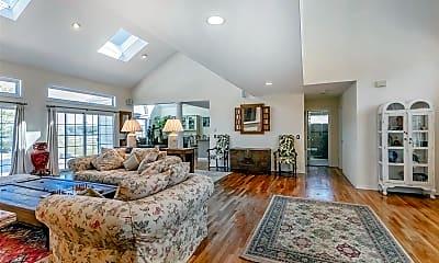Living Room, 9 Polo Grounds Ln, 1
