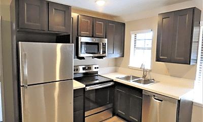 Kitchen, 507 E 7th St, 1