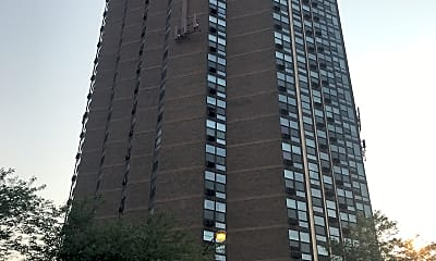 4700 Lake Park Apartments, 2