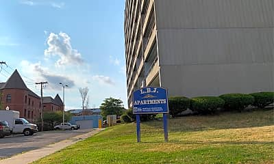 L.b.j. Apartments, 1