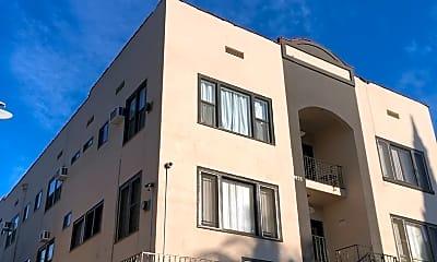 Building, 4933 Echo St, 2