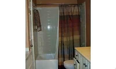 Bathroom, 2009 Gillette St, 2