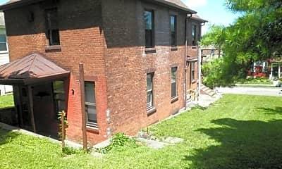 Building, 1921 Fairmount Ave, 1