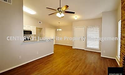 Living Room, 6620 S Creek Dr, 1