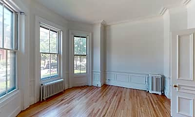 Living Room, 92 Marlborough St #2, 2