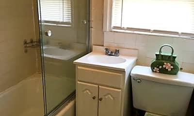 Bathroom, 11 Carteret St, 2
