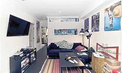 Patio / Deck, 326 E 4th St, 1