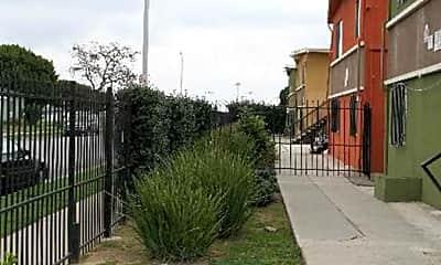 Alondra Park Apartments, 1