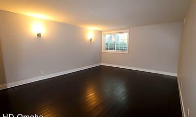 Living Room, 124 N. 31st. Ave., 0