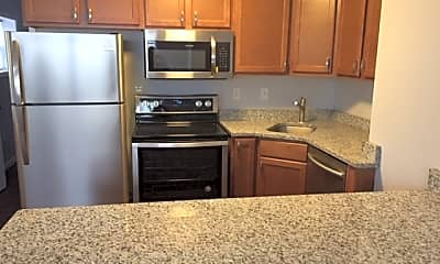 Kitchen, Maple Glen Apartments and Townhomes, 0