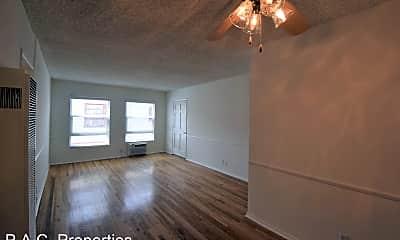 Building, 11948 W Magnolia Blvd, 1